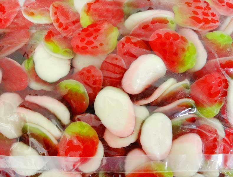 Kingsway Gummy Strawberries & Cream, by Kingsway,  and more Confectionery at The Professors Online Lolly Shop. (Image Number :12197)