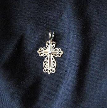 14k gold filligree cross with diamond