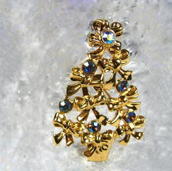 Collectible Avon Bow Christmas Tree Pin
