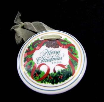 Longaberger Christmas Tie Ornament front