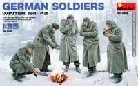 Miniart Models - German Soldiers, Winter 1941-42