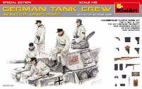 Miniart Models - WWII German Tank Crew Winter Uniforms w/Weapons (Special Edition)