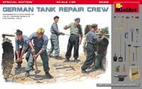 Miniart Models - German Tank Crew at Work(5) w/Buckets, Tools & Boxes