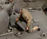 Royal Model - WWII US Refueling Tank Crew Member