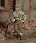 Royal Model - WWII US Soldier on Break w/Mug