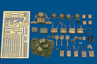Royal Model - WWII US Army Equipment: pouches, helmets, straps, etc