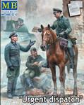 Masterbox Models - Urgent Dispatch,  WWII German Soldiers & Horse
