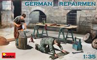 Miniart Models - German Repairmen with Accessories