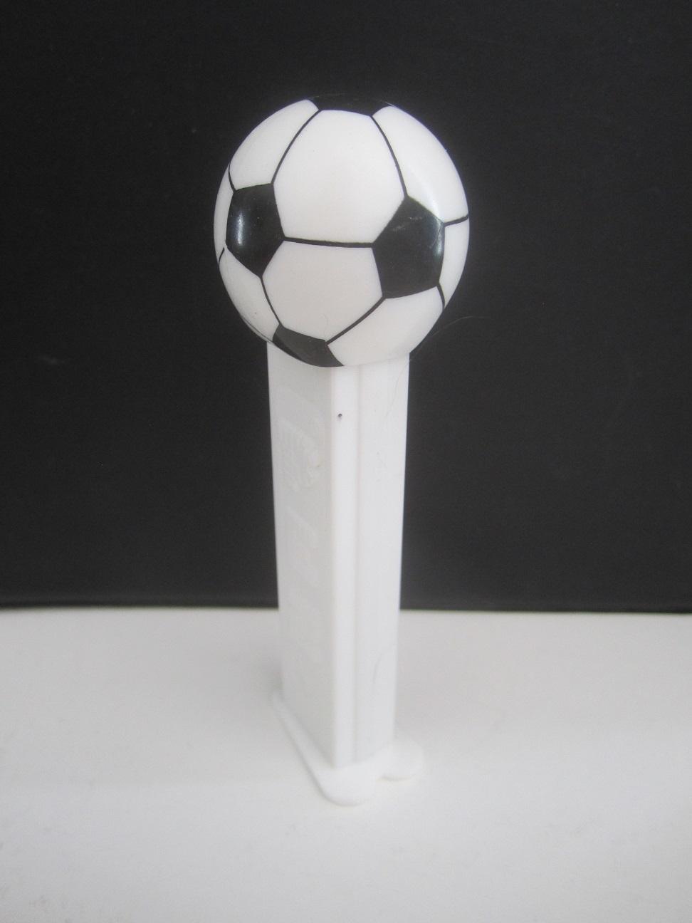 soccerballwhite.jpg