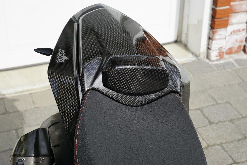 2015-ktm-super-duke-1290-r-seat-cowl-installed-rev.jpg
