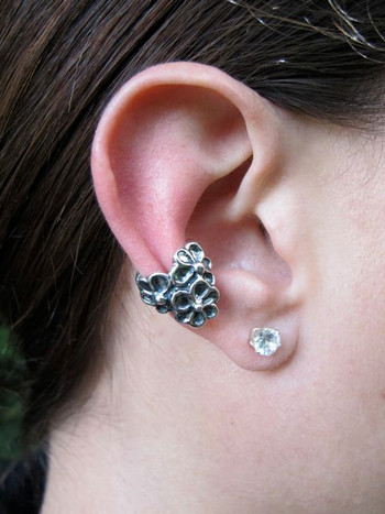 Daisy Love Ear Cuff Silver