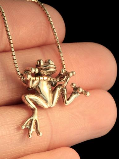 Tree Frog Pendant Jewelry
