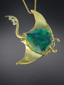 Manta Ray Opal Pendant - 18K Gold