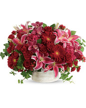 What a stunner! Leave them speechless with this boldly blooming statement