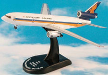 Singapore Airlines DC-10-30