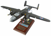 B-25 DOOLITTLE RAIDER 1/41 SIGNED BY RICHARD COLE - Second picture shows actual stand