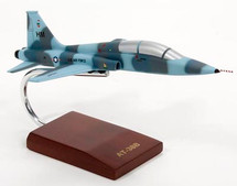 "AT-38B ""HOLLOMAN AGGRESSOR"" 1/48"