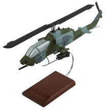 AH-1W USN SUPER COBRA 1/32