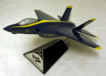 F-35C BLUE ANGELS 1/40