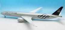 Air France B777-328/ER Sky Team F-GZNN