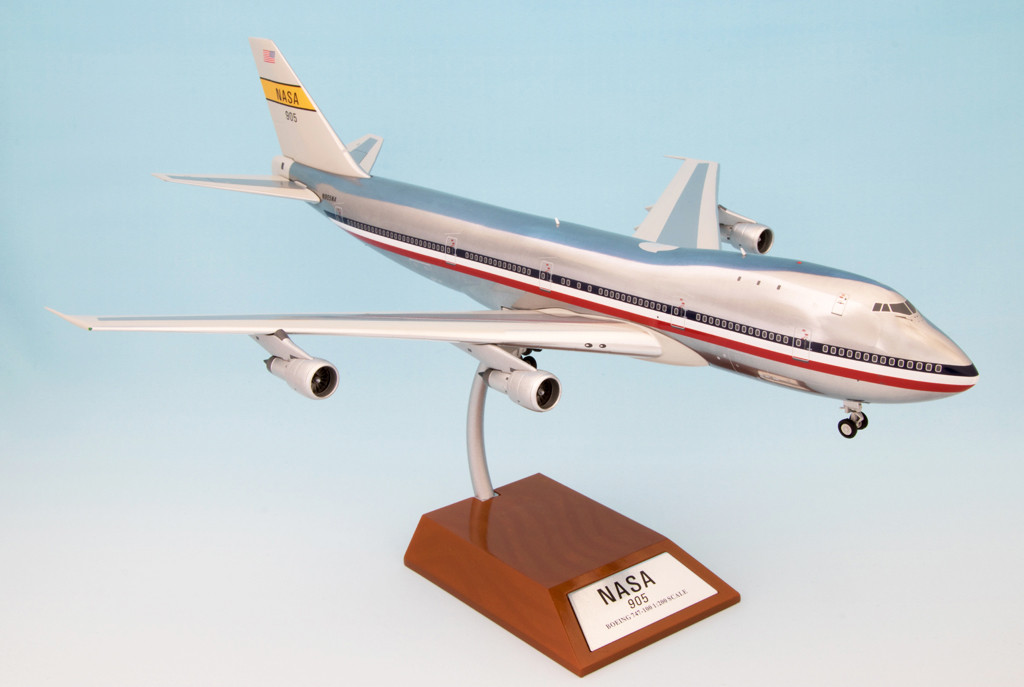 096b94009752 NASA Boeing 747 N905NA with stand polished, 1:200 Inflight 200 IF ...