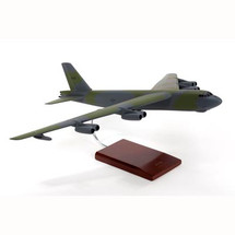 B52G STRATOFORTRESS 1/100