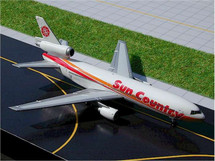 Sun Country Airlines (USA) DC-10 Gemini Diecast Display Model