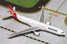 Qantas (Australia) A330-300 Gemini Diecast Display Model
