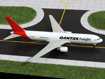 Qantas Freight, VH-EFR 767-300F Gemini Diecast Display Model