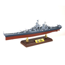 Iowa-class Battleship USN, BB-63 USS Missouri, Pacific, Battle of Okinawa 1945