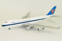 China Southern Airlines Cargo Boeing 747-400 B-2461 w/ stand - Limited 60 pieces