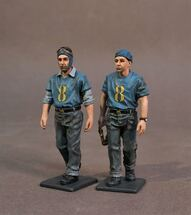 Aircraft Carrier Flight Deck Crew, 2 Plane Handlers Walking (2pcs)
