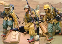 SdKfz 251/C Booster Pack 3 Figures Jumping Afrika korps