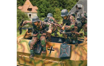 Hanomag Normandy Jumpers Set One, 2 figures