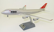 Northwest Airlines Boeing 747-400 N676NW With Stand