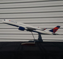 Delta A350-900 N502DN (Resin) Gemini Diecast Display Model