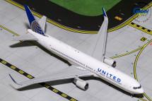 United Airlines 767-300ER, N676UA Gemini Diecast Display Model
