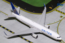 United Airlines 767-300ER, N676UA Gemini Diecast Display Model