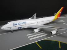 Air Pacific Boeing 747-400 DQ-FJK With Stand (Limited 30pcs)