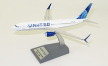 United Airlines Boeing 737-824 N37267 with stand, New Colors