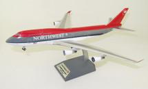 Northwest Airlines Boeing 747-400 N665US With Stand