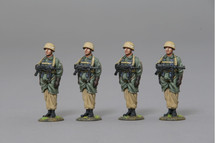 Four Fallschirmjagers in Parachute Rig (Desert Camouflage) WWII, four figures