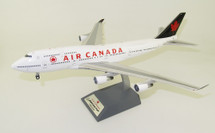 Air Canada Boeing 747-400 C-GAGN With Stand