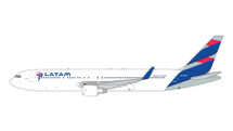 LATAM B767-300ER CC-CWV Gemini Jets Diecast Display Model