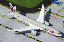 Qatar 787-9 Dreamliner, A7-BHA Flaps Down Configuration Gemini Jets Diecast Display Model