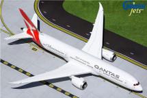 Qantas Airways 787-9 Dreamliner, VH-ZNK Gemini 200 Diecast Display Model