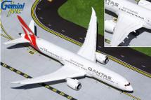 Qantas Airways 787-9 Dreamliner, VH-ZNK Flaps Down Version, New Mould Gemini 200 Diecast Display ModelVH-ZNK Flaps Down Version, New Mould Gemini 200 Diecast Display Model