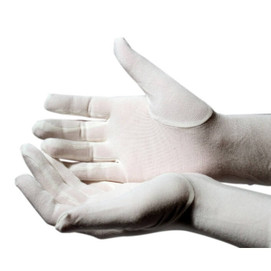 Eczema gloves for adults in bamboo - form fitting and comfortable.