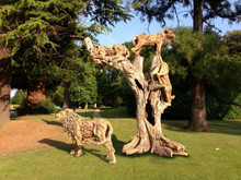 Please note the freestanding lion is not part of this sculpture but is available separately.