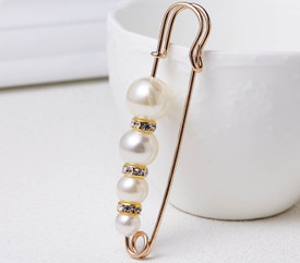 4 Faux Pearl Gold Brooch Safety Pin Diamante Lapel Pin + Gift Bag